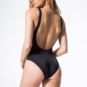 SOLID & STRIPED Swim - Solid and striped the Jennifer one piece
